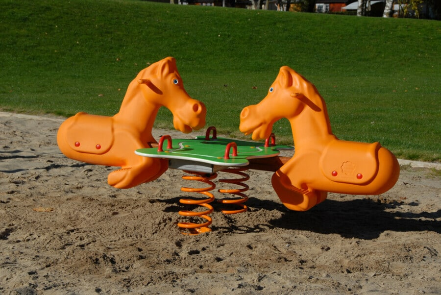 img-products-playgrounds-spring-riders-xfam4-img-xfam4-1-900